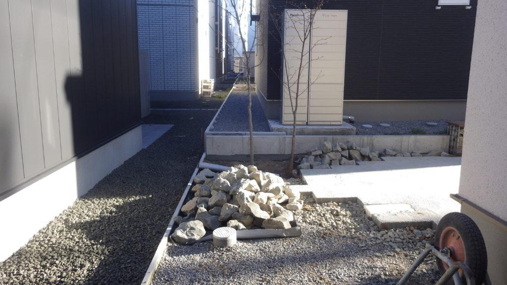 札幌 外構 割栗石